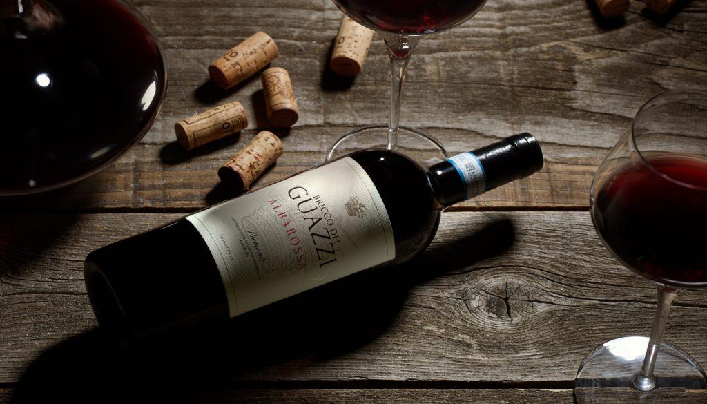 czerwone wino bricco dei guazzi