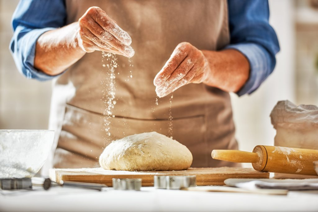 przygotowanie ciasta napizze włoską zmąka typu 00