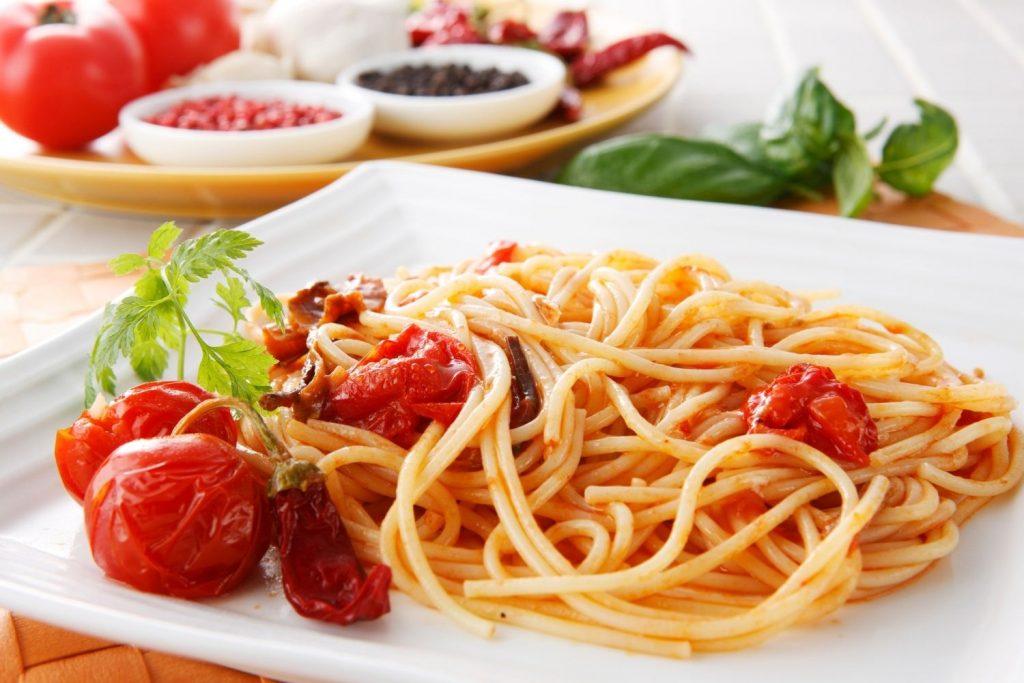 włoski makaron spaghetti