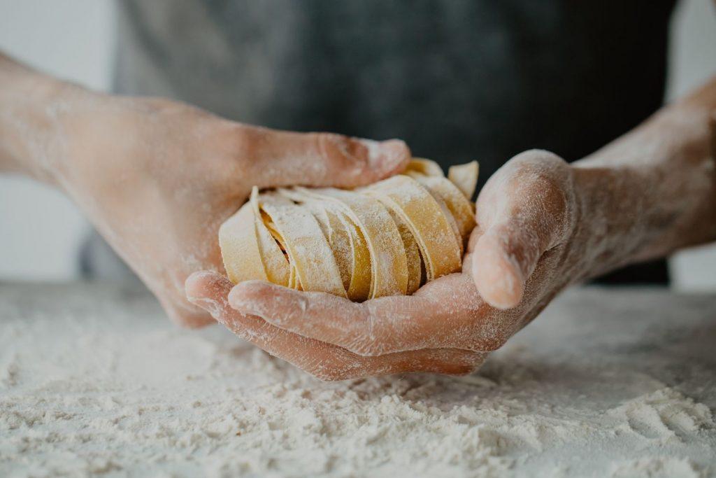 jak powstaje makaron - produkcja
